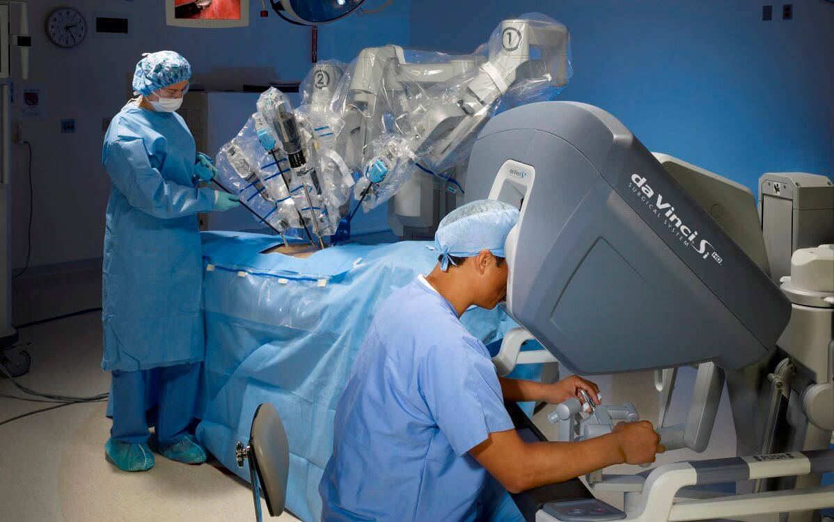 Treatments for HPV-Related Oropharyngeal Cancer: Robotic Surgery